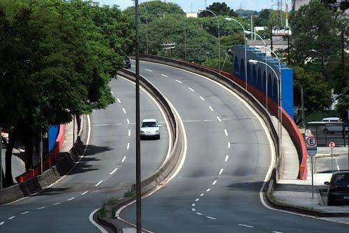 Bruno Pessuti protocola pedido para melhorar segurança no Viaduto do Capanema - Bruno Pessuti