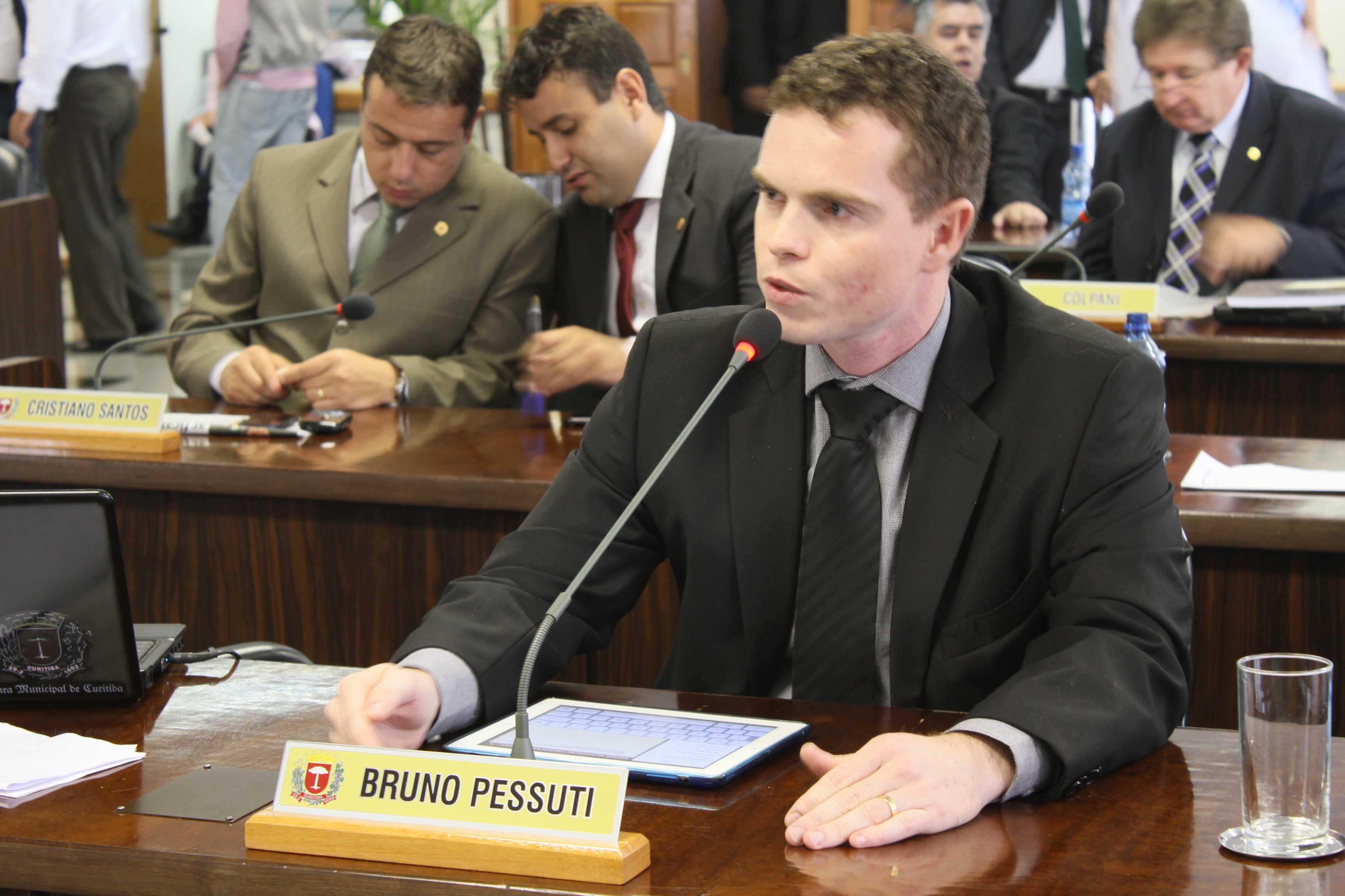Requerimentos de Bruno Pessuti beneficiam cinco bairros - Bruno Pessuti