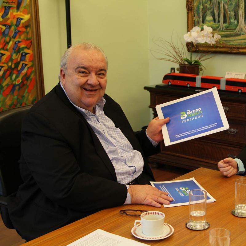 Vereador Bruno Pessuti se reúne com Prefeito Rafael Greca para apresentar soluções para Curitiba. - Bruno Pessuti